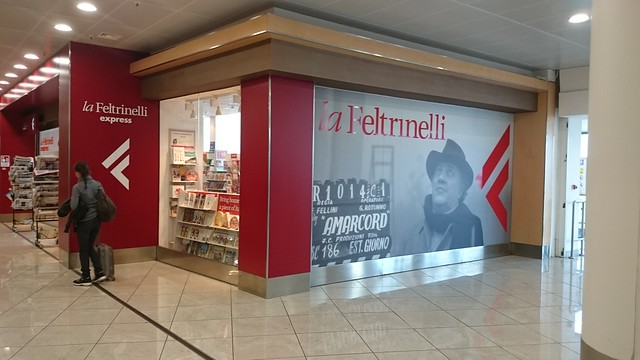 Librairie Feltrinelli Naples