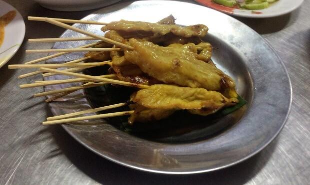 161025 タイ料理豚の串焼きムーサテ
