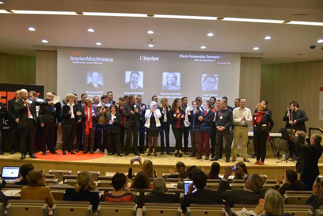 2016-11-23 - TEDxIssy-04 - Remerciements (19h36m32)-1