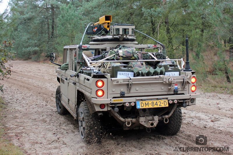 Dutch Army Commandos Pose With Their New Vector Versatile