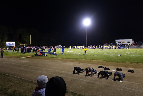 nightphotography game cold sports football team cheerleaders iowa pushups footballfield friday touchdown score donbosco hlv gilbertville sonyrx100ii hlvwarriors 8playerfootball