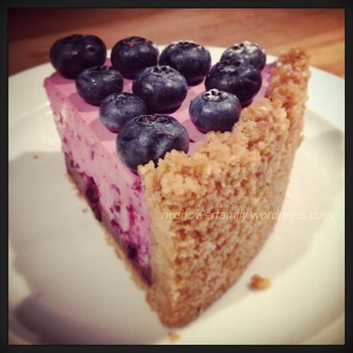Berry yogurt cake