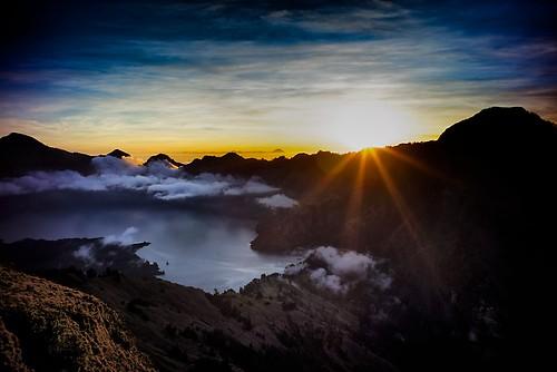sunset lake indonesia lombok anak rinjani segara westnusatenggara sembaluncrater