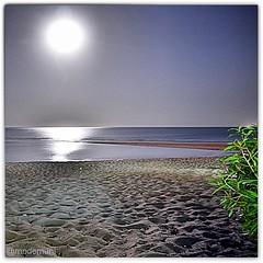 تصوير ليلي للبدر.   ليلة ظلماء بس البدر موجود. 🌕 الكويت ..  ########## Full moon 🌚 ♢♢ Taken by #nikon #coolpix #a