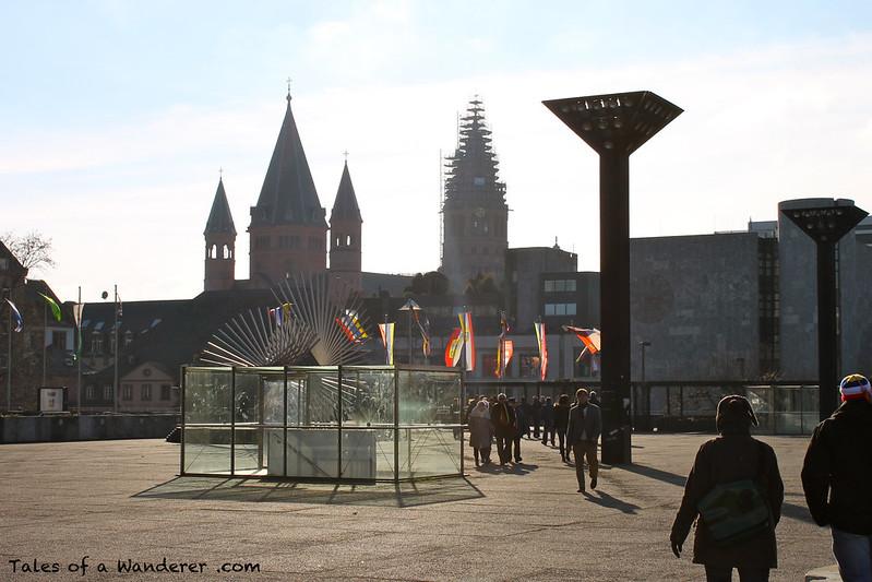 MAINZ - Rheinufer - Mainzer Dom 'Hohe Dom St. Martin'