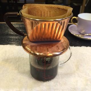カフェオレを作る2 濃い目のコーヒーをドリップ