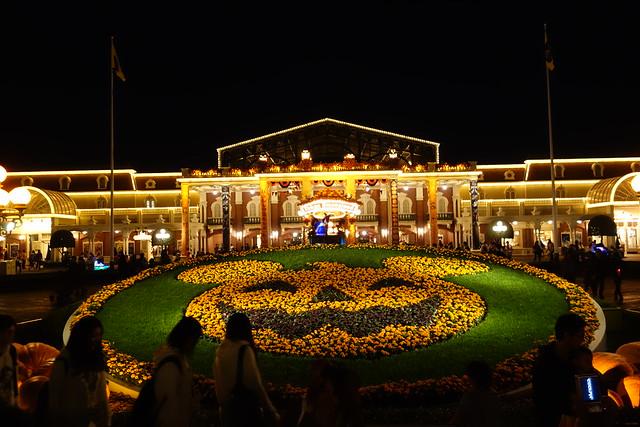 Tokyo Disneyland - Halloween floral
