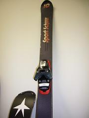 zakázkové lyže Kneissl 150cm + Tyrolia diagonal - titulní fotka