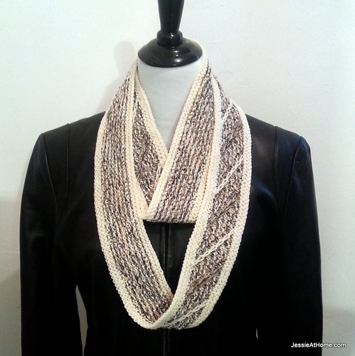 Free-Knit-Pattern-Mushroom-Crepe-Cowl