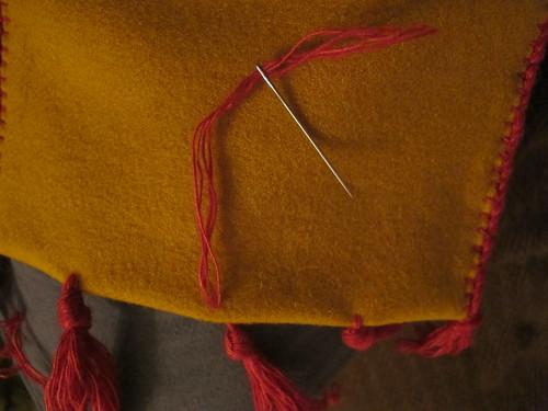 Medieval textile purse - 26