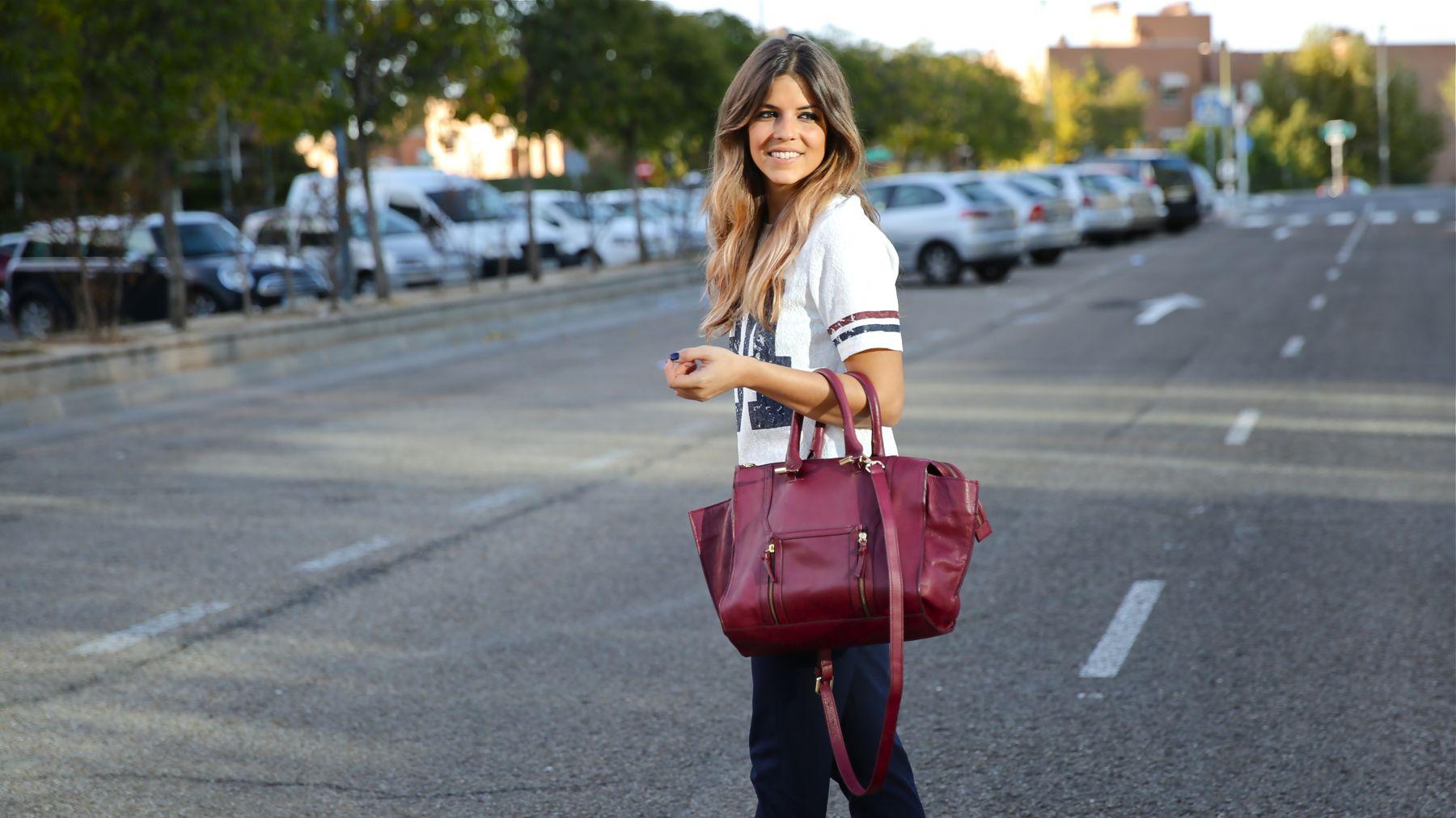 trendy_taste-look-outfit-street_style-ootd-blog-blogger-fashion_spain-moda_españa-zara-stan_smith-adidas-cosette-tee-baseball-camiseta-numero-pantalón-capri-pinzas-14