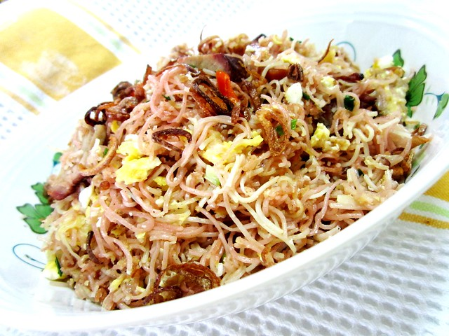 STP's fried noodles 1