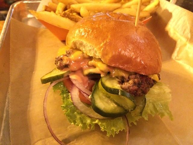 BTS house burger - Burger Tap & Shake