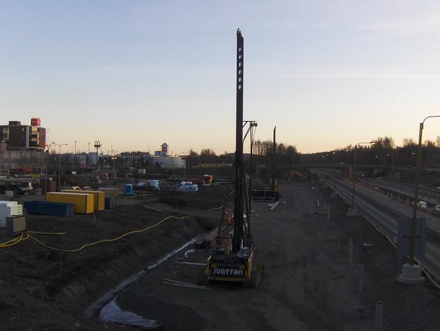 Hämeenlinnan moottoritiekate ja Goodman-kauppakeskus: Työmaatilanne 20.11.2011 - kuva 2