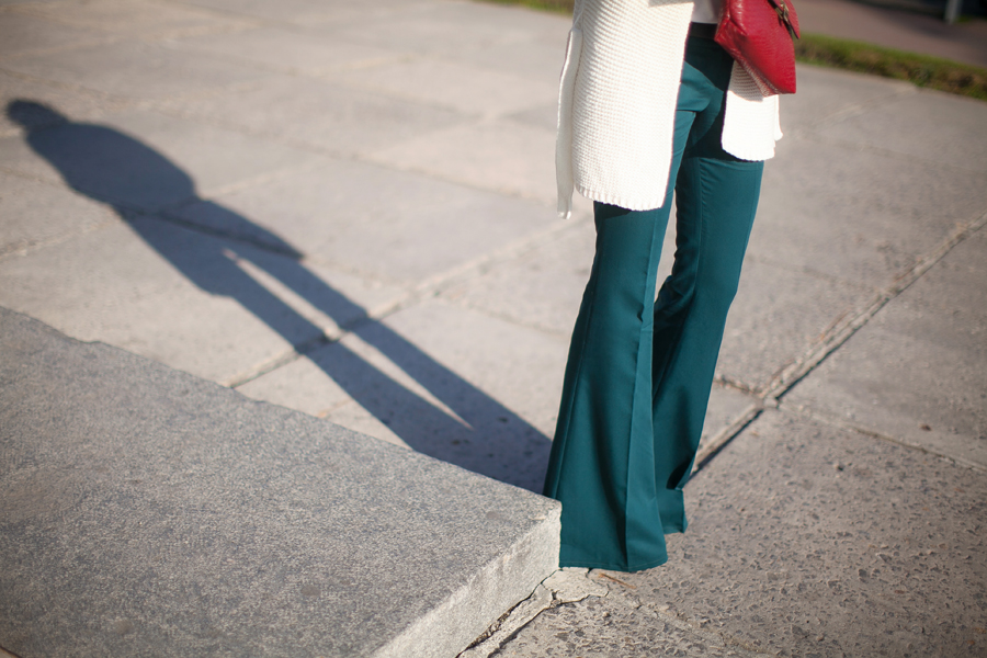 how-to-wear-flared-pants-outfit