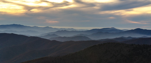 mountains landscapes cloudy tennessee sunsets northcarolina overcast layers clingmansdome contours appalachianmountains greatsmokymountainsnationalpark gsmnp