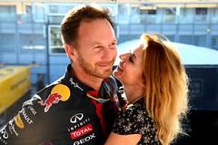Джерри Холлиуэлл выходит замуж за главу команды Формулы-1