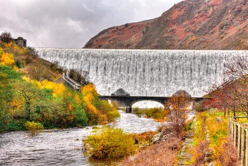 bridge fall water wales river dam reservoir elan powys midwales elanvalley radnorshire autumncolour dwrcymru welshwater cabancoch mabjack