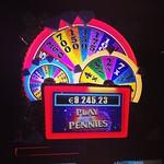Uusia automaatteja Casino Helsingissä, pelattavissa 17.10.  Legendaarisen TV-ohjelman pohjalta Wheel of Fortune: - Minimipanos 0,5 € - Progressiivinen Jackpot, min. 1,000€ esim. tällä hetkellä 9.245,34€  #casinihelsinki #kasinopelit #casino #helsinki #whe