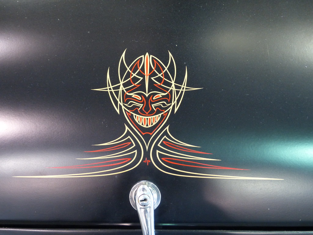 HotRod coupe pinstripe