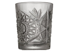pint glass(0.0), vase(0.0), mug(0.0), lighting(0.0), old fashioned glass(1.0), drinkware(1.0), tableware(1.0), highball glass(1.0), glass(1.0),