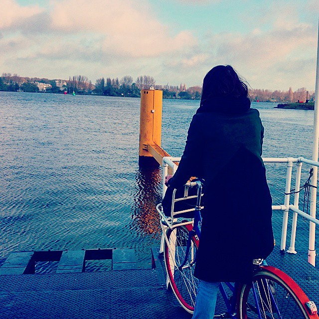 My morning commute, waiting for the ferry #amsterdam #bikeams #roetz #ij #cycling #cyclechic #azartplein #amsterdamnoord #ilovenoord