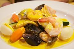 fish(0.0), produce(0.0), meal(1.0), seafood(1.0), bouillabaisse(1.0), food(1.0), dish(1.0), cuisine(1.0), mussel(1.0),