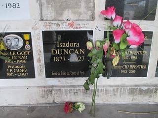 Here rests Isadora Duncan