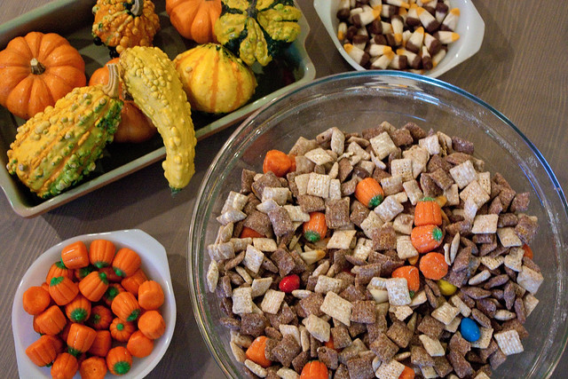 Halloween Puppy Chow with Nutella