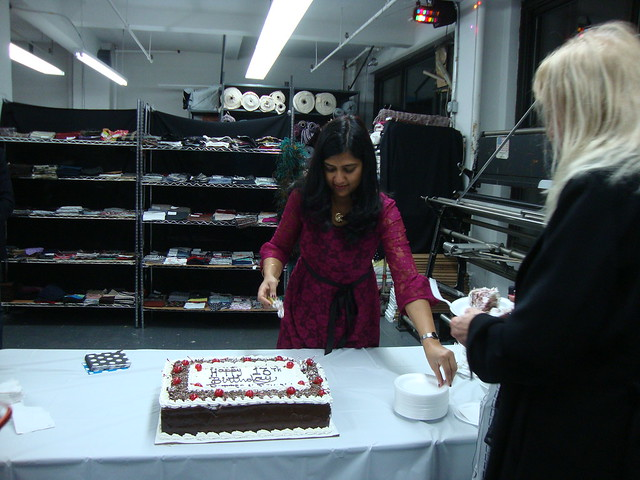 Deepika cuts the cake