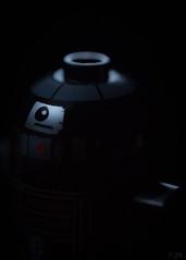 R2-Q5 (back in black)