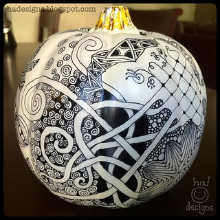 Zentangle® Inspired Art : Tangled Chalkboard Pumpkin (Left Back)