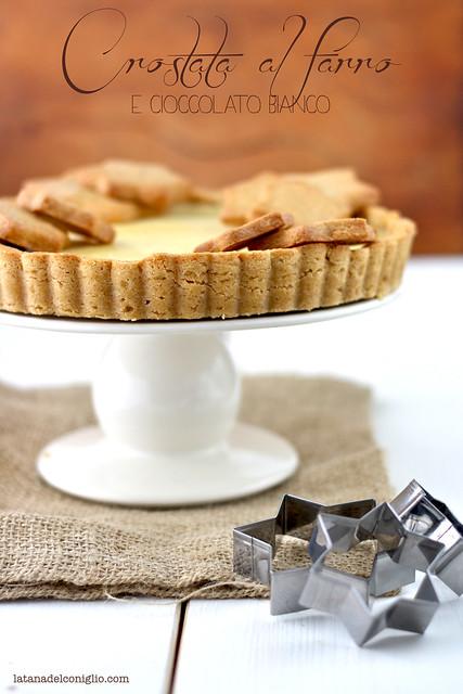 Crostata al farro con cioccolato bianco (e 5 anni di blog)