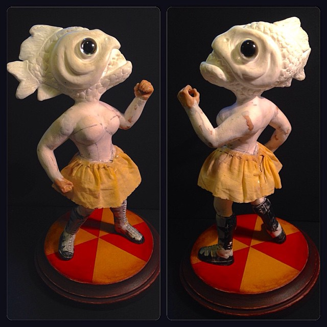 New Piranha Sculpt #WIP Love doing her skirt, stiffened fabric! #sculpture #GirlyPinup