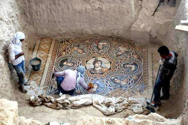 mosaic-1-1024x685