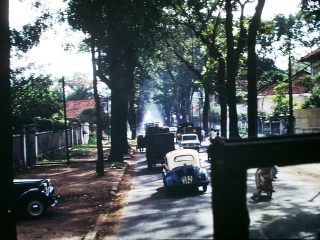 SAIGON 1967 - Street scene - Photo by Clyde C. Fletcher