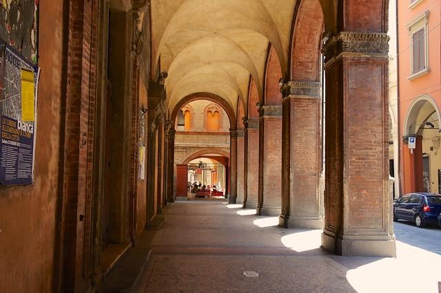 portico-bologna-italy-cr-brian-dore