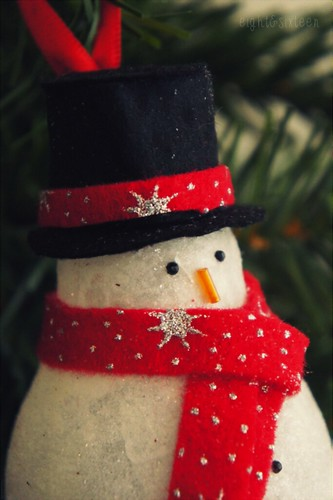 diy upcycled snowman ornament eight and sixteen