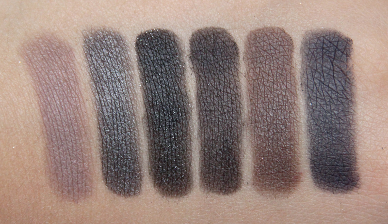 Viva la Diva Smokey eye shadow palette swatch