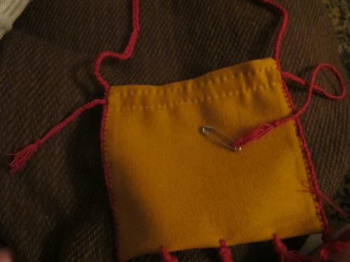 Medieval textile purse - 27
