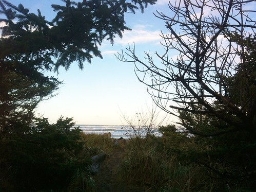 Path to Benson Beach