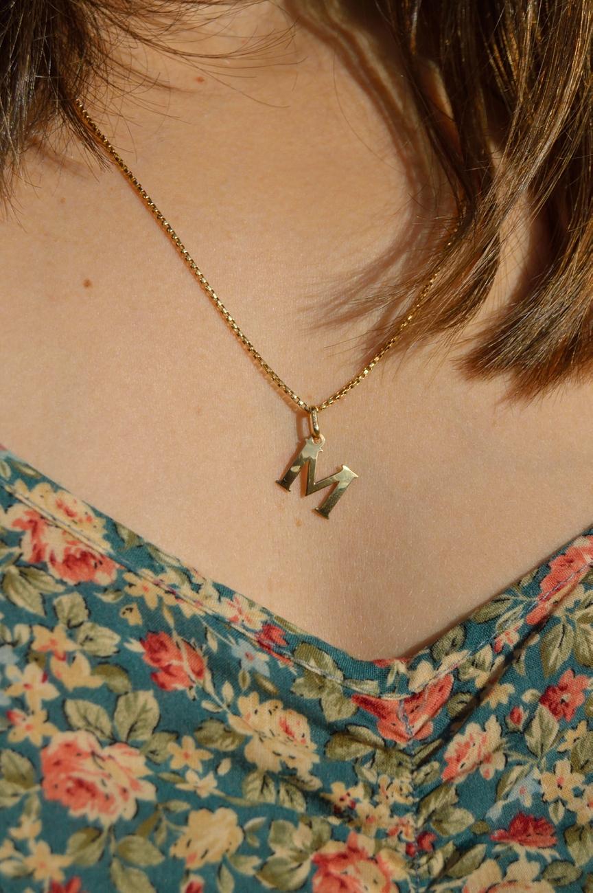 lara-vazquez-mad-lula-necklace-golden-details