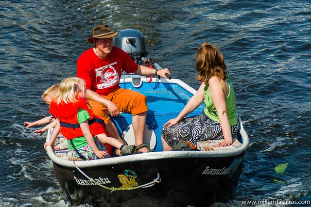 Navegando por el canal