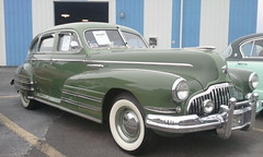 hudson hornet(0.0), buick roadmaster(0.0), plymouth deluxe(0.0), automobile(1.0), automotive exterior(1.0), pontiac chieftain(1.0), vehicle(1.0), gaz-12 zim(1.0), full-size car(1.0), mid-size car(1.0), buick super(1.0), antique car(1.0), classic car(1.0), vintage car(1.0), land vehicle(1.0), luxury vehicle(1.0),