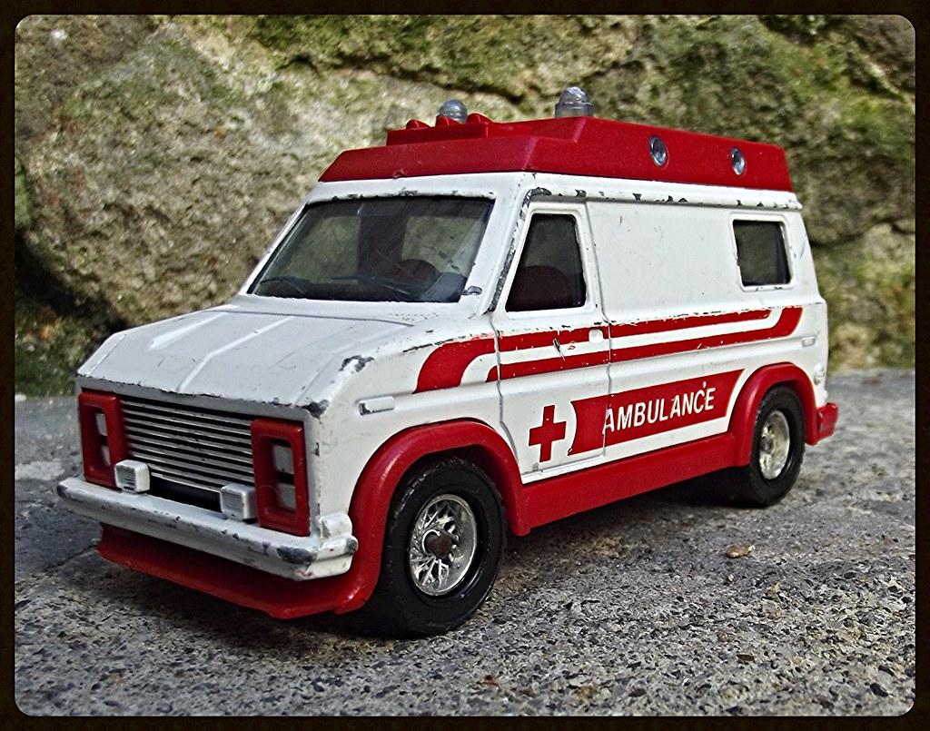 N°3021 Ambulance  15338499967_00b051a95b_b