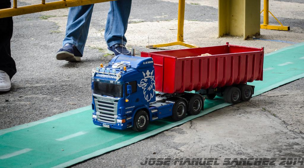 1ª Concentración de Camiones y Maquinaría RC en la Robla - Página 2 15339572368_0a5eca5865_b