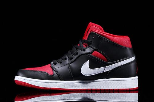 jordan-1-black-white-red-2