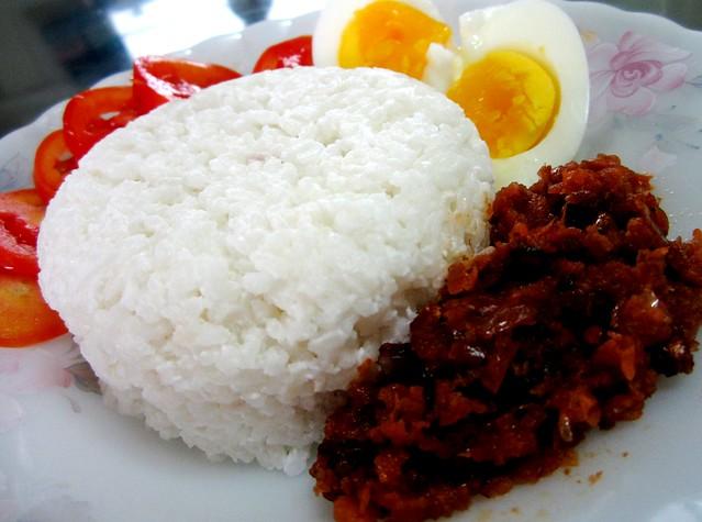 STP's nasi lemak kukus 2