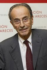 Dr. Santiago Dexeus3 - 'Menopausia: una etapa multifactorial de la vida de la mujer'