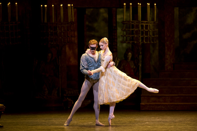 Melissa Hamilton as Juliet and Edward Watson as Romeo in Romeo and Juliet © ROH/Bill Cooper 2012